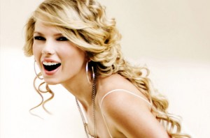 502894 taylor swift 21 things 617 409 300x198 Botox: What is it, What are its uses, and What are the risks?