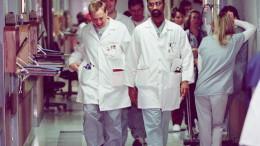 intern doctor