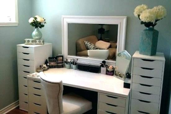 It 39 s time to revamp your bathroom vanity cabinet medchrome for Easy ways to revamp your bathroom